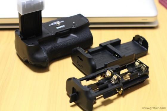 標準バッテリー2本か、単3電池6本で使える。